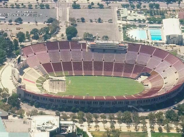 Большой стадион Лос-Анджелеса - Мемориал Колизеум