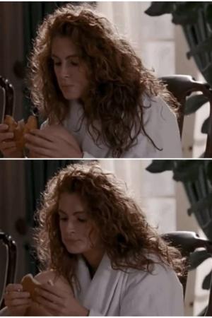 """""""Красотка"""". Круассан, который героиня Джулии Робертс ест в этом эпизоде, в следующем кадре неожиданно превращается в оладьи"""