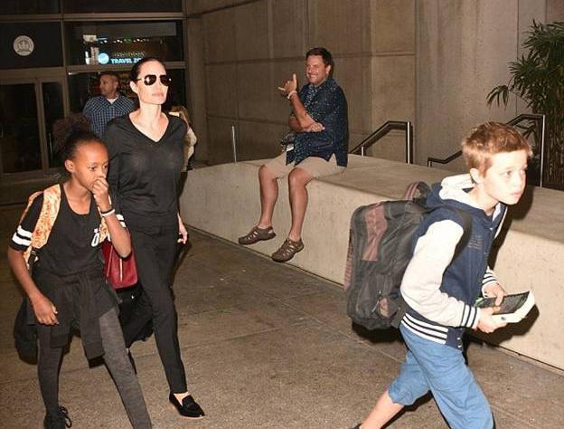Анджелина Джоли с детьми не страдает звездной болезнью