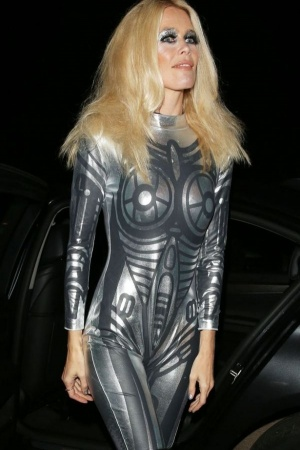 Клаудиа Шиффер на Хэллоуин надела неудачный костюм