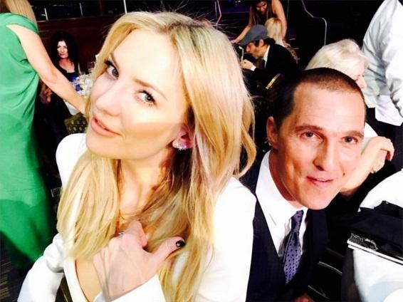 Счастливые Кейт Хадсон и Мэттью Макконахи позируют вместе