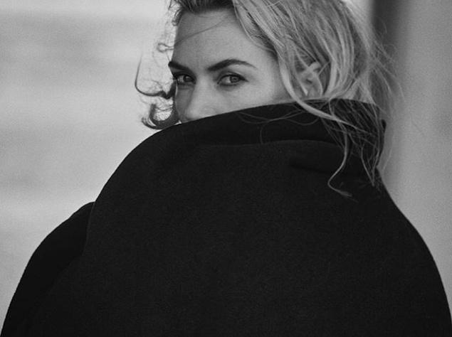 Кейт Уинслет в завораживающей фотосессии на берегу моря
