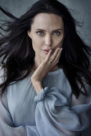 Брэд Питт и Анджелина Джоли в романтической фотосессии