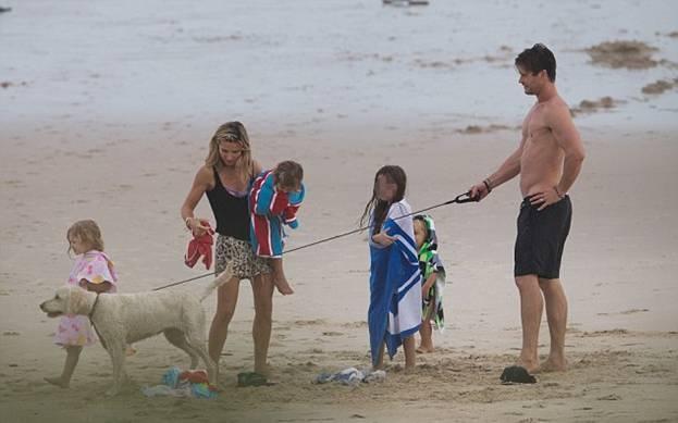 Крис Хемсворт отдыхает с семьей в Австралии