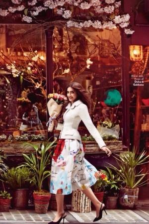 Сонам Капур в фотосессии для индийского глянца