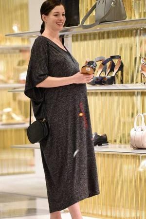 Энн Хэтэуэй наслаждается своей беременностью