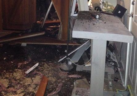 Дом Ким Кэттролл разрушили пьяные подростки