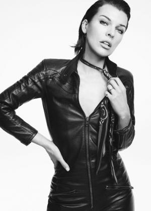 Милла Йовович восхитила красотой в стильной фотосессии