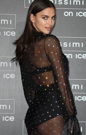 Ирина Шейк блеснула в прозрачном платье