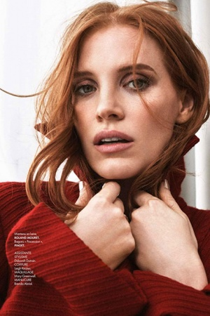Джессика Честейн украсила октябрьский выпуск модного глянца