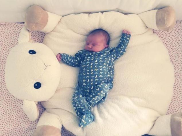 Оливия Уайлд родила и показала милое фото ребенка