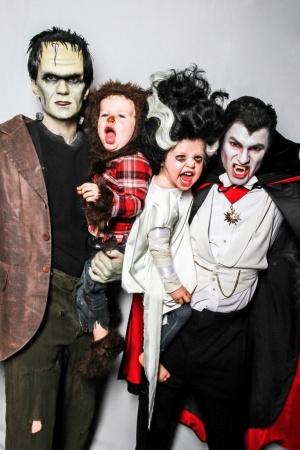 Нил Патрик Харрис знает как развлекаться на Хэллоуин с семьей