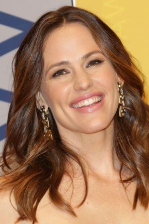 Разведенная Дженнифер Гарнер восхищает лучезарной улыбкой