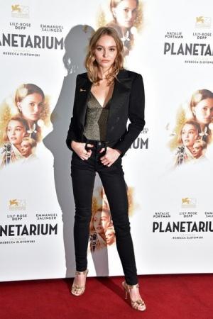 Лили Роуз Депп представила в Париже фильм