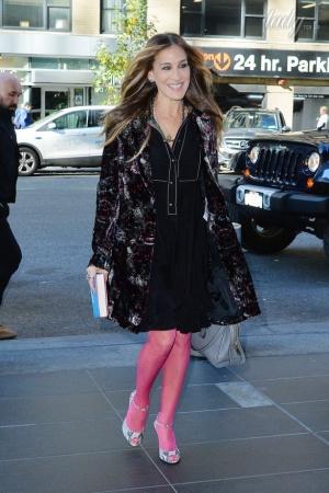 Сара Джессика Паркер удивила розовыми колготками