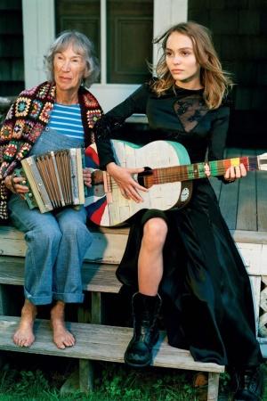 Лили Роуз Депп в фотосессии для Vogue UK