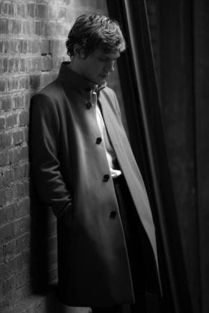 Эван Питерс в фотосессии для The Laterals