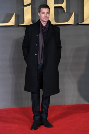 Брэд Питт покорил публику стильным нарядом на красной дорожке