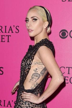 Леди Гага удивила публику заметно постройневшей фигурой