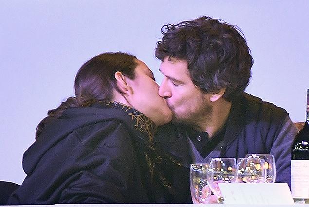 Любовь по-французски: Марион Котийяр и Гийом Кане в Париже