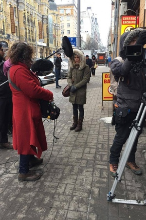 Ванессу Паради подловили на улицах Киева