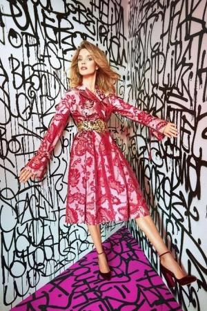 Наталья Водянова примерила образ гламурной куклы