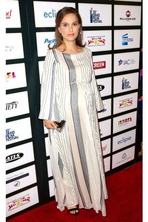 Стильные образы беременной Натали Портман