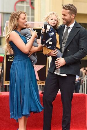 Райан Рейнольдс стал обладателем звезды на голливудской