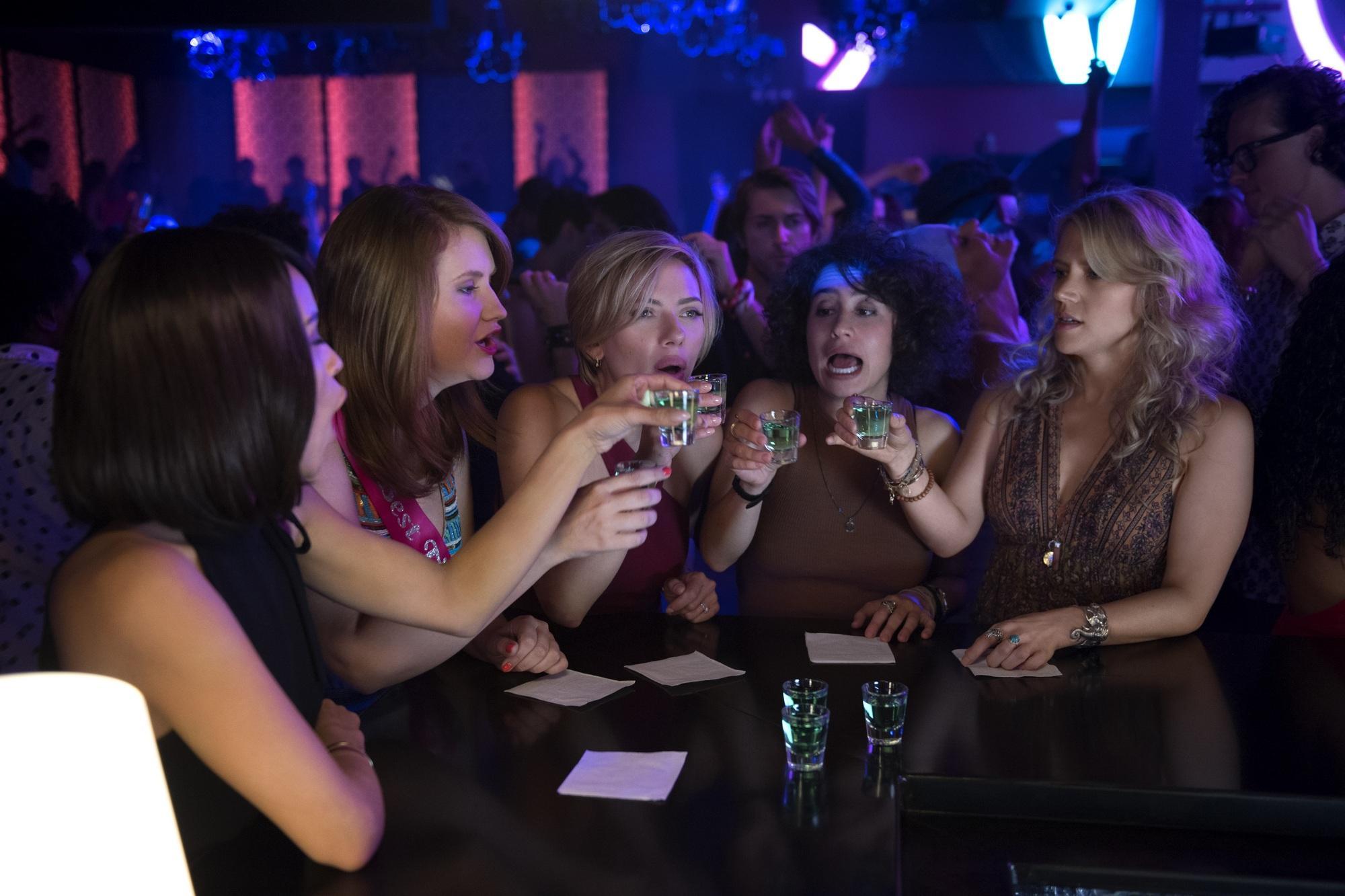 Развлечение в женском клубе видео фото 589-797