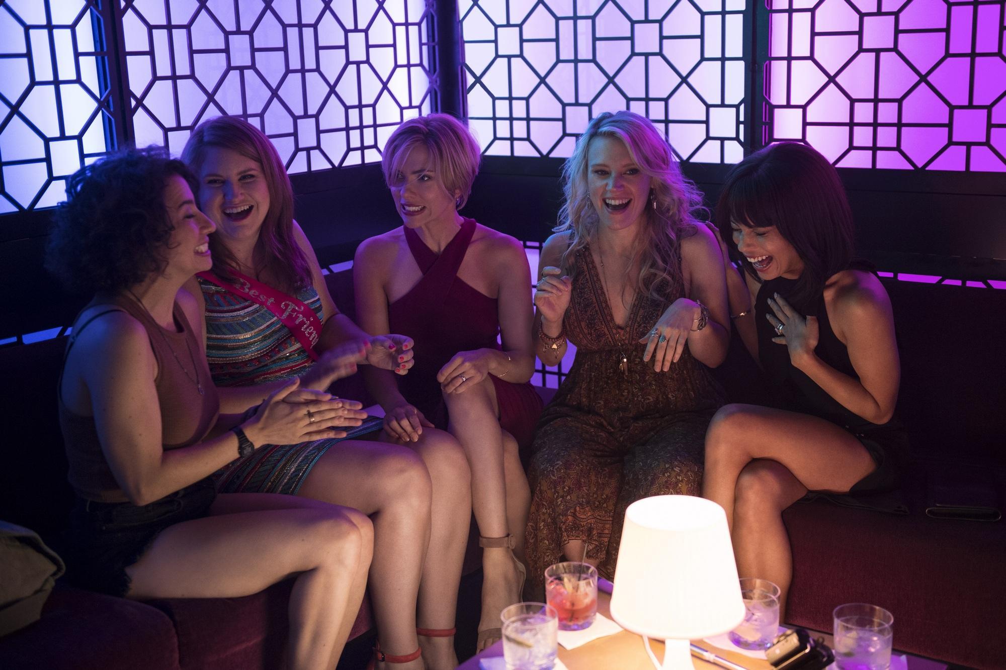 Развлечение в женском клубе видео фото 589-28