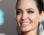 Анджелина Джоли намерена стать приемной матерью сирийского мальчика