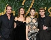 Звезды на церемонии Fashion Awards 2018