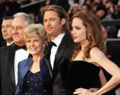 """""""Испортила жизнь сына!"""": Мать Брэда Питта про Анджелину Джоли"""