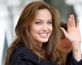 """Анджелина Джоли сыграет в триллере от сценариста """"Сикарио"""""""