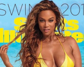 Тайра Бэнкс снялась в бикини для издания Sports Illustrated Swimsuit