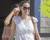 Анджелина Джоли с детьми прилетела на Канарские острова