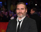 """Хоакину Фениксу предложен огромный гонорар за два сиквела """"Джокера"""""""