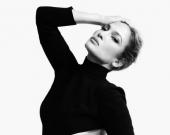 Дженнифер Лопес снялась в новой фотосессии в эффектном платье