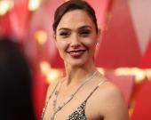 Галь Гадот прокомментировала требование заменить ее другой актрисой в роли Клеопатры