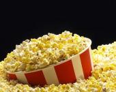 Топ-6 интересных фактов о главном лакомстве под фильмы