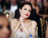 Анджелина Джоли снялась в атмосферной фотосессии