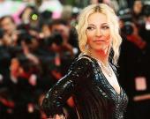 Мадонна порадовала поклонников новыми снимками в эффектном образе