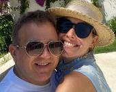 Юрий Горбунов поделился яркими совместными фото с женой