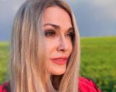Ольга Сумская поделилась летними фотографиями в поле