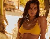 Ирина Шейк показала кадры с пляжной фотосессии