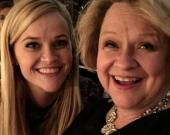 Риз Уизерспун опубликовала совместные фото с мамой
