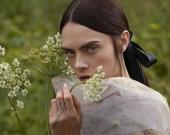Кара Делевинь впечатлила фотосессией для японского Vogue