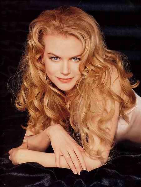 nicol блондинка фото с кудрями
